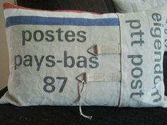 Gemaakt van een originele PTT postzak
