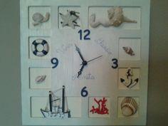 Orologio in legno in stile marino