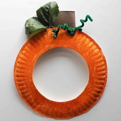 pumpkin paper plate craft - picture in middle