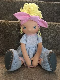 Beautiful handmade rag doll, Waldorf type.  Recommended for kids over 3 years old. 3 Years, Dolls, Type, Kids, Handmade, Beautiful, 3 Year Olds, Baby Dolls, Young Children