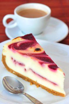 Cheesecake s malinovým pyré - Recept pre každého kuchára, množstvo receptov pre pečenie a varenie. Recepty pre chutný život. Slovenské jedlá a medzinárodná kuchyňa