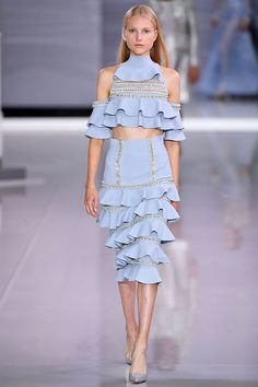 See all the Collection photos from Ralph & Russo Spring/Summer 2018 Ready-To-Wear now on British Vogue Fashion Week, Runway Fashion, Fashion Models, Spring Fashion, High Fashion, Fashion Trends, Womens Fashion, Ralph & Russo, Haute Couture Style