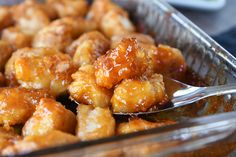 Skip the takeout and have a Chinese favorite at home: a delicious sweet and sour sauce poured over tender chicken with a crispy breading. Most Popular Recipes, Favorite Recipes, Asian Recipes, Healthy Recipes, Chinese Recipes, Easy Recipes, Enjoy Your Meal, Plat Simple, Healthy Yogurt
