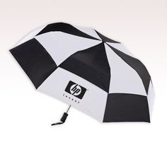 Marketers can position it such that it receives maximum attention of the crowd. #tote #logo #umbrellas #freesetup