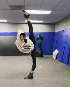Ballet Dance Videos, Dance Tips, Ballet Dancers, Gymnastics Tricks, Gymnastics Workout, Flexibility Dance, Flexibility Workout, Ballerina Workout, Contortion
