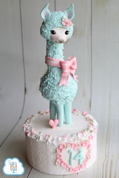 A little llama love!  #llama #fondant #love #sugarhighinc #caketopper