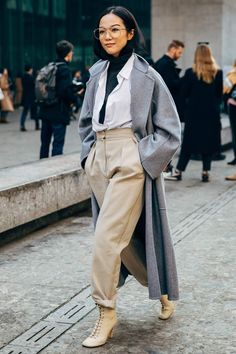 New York Fashion Week ist ein . Die New York Fashion Week ist ein .,Die New York Fashion Week ist ein . Fashion Week Nyc, Milan Fashion, Fashion Trends, Streetstyle Fashion Week, New York Fashion Week Street Style, Tokyo Street Style, Paris Street, Fashion Lookbook, Star Fashion