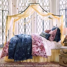 HARRY POTTER™ Magical Velvet Quilt + Sham. Dress your sleeping space like the rooms in GRYFFINDOR TOWER™. Our celestial velvet quilt, in a bewitching blue hue, will magically upgrade your bed.