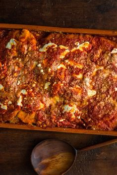 Think of cauliflower Parmesan as the winter analogue to eggplant Parmesan This fried cauliflower is worth making all on its own, with golden, crisp florets that are impossible to stop eating But they're even better when given the parm treatment — baked with marinara sauce, mozzarella and grated Parmesan cheese until bubbling and browned