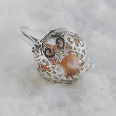 This super gorgeous ring can hold a max of 5 pearls, size 6.6mm or larger.