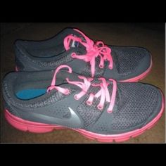 Nike sneakers Nike sneakers size 8 1/2 I only used them once no box !!! Nike Shoes Athletic Shoes