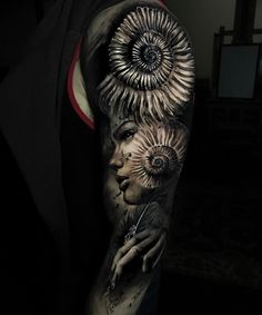 Tattoo artist Jak Connolly color and black&grey authors style tattoo realism | UK