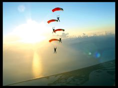 Before I die, I want to go skydiving.