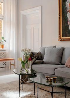 Decor luminos și aerisit într-un apartament de 52 m² | Jurnal de Design Interior Cozy House, House Warming, The Help, Color Schemes, Minimalism, Shabby Chic, Design Interior, Couch, Living Rooms