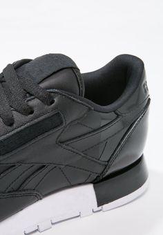 47ad9bc18148 Die 90 besten Bilder von m  Sneaker Design Men   Loafers   slip ons ...