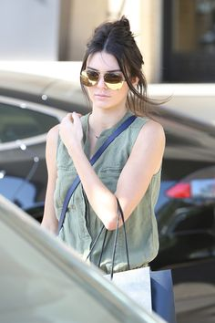 04.20.15: More of Kendall leaving Barney's New York in Beverly Hills