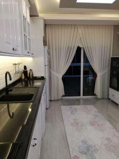 Beyaz mutfak, Halı, Mutfak, Perde