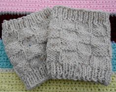3 free patterns for boot cuffs 3 free patterns for boot cuffs. 2 knit and 1 crochet. The patterns are mainly basic skills in knit and easy to intermediate for the crochet patter… Loom Knitting, Knitting Patterns Free, Knit Patterns, Free Knitting, Free Pattern, Knitted Boot Cuffs, Knit Boots, Knitting Projects, Crochet Projects