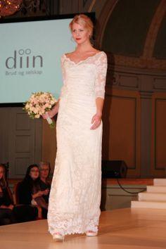 Bilder fra brudeshow 9.februar ~ Bryllupstid Lace Wedding, Wedding Dresses, Fashion, February, Pictures, Bride Dresses, Moda, Bridal Gowns, Fashion Styles