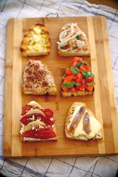 Savoury Finger Food, Finger Foods, Happy Hour Bar, Antipasto, Bruschetta, Barbecue, Tapas, Food And Drink, Appetizers