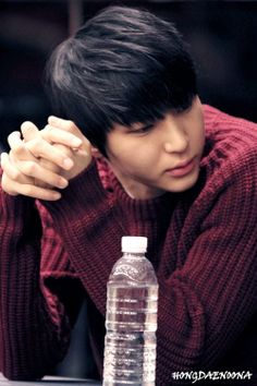 Jung Taekwoon VIXX Leo cr.: HONGDAENOONA / do not edit