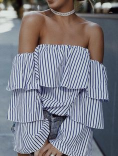 Blue and white striped off the shoulder top with cute ruffles. Look Fashion, Fashion Outfits, Womens Fashion, Fashion Trends, Fashion Styles, Spring Summer Fashion, Spring Outfits, Casual Outfits, Cute Outfits