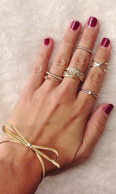 13 Real-Girl Ways to Style Your Rings Like a Pro - LOVE the X ring