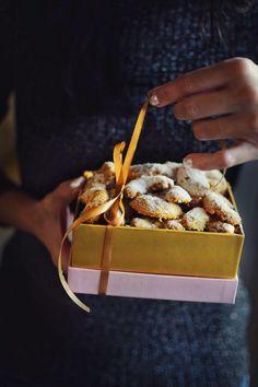 Vanilkové rohlíčky • CukrFree.cz Raw Vegan, Christmas Cookies, Sugar Free, Waffles, Fitness, Brunch, Low Carb, Gluten Free, Paleo