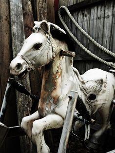 Rocking Horse (etwas unheimlich...)