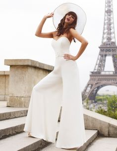 6 Unconventional Wedding Dress Ideas to express your personal style. Wedding Trouser Suits, Wedding Pantsuit, Wedding Attire, Wedding Dressses, Wedding Gowns, Wedding Reception, Wedding Jumpsuit, Unconventional Wedding Dress, Contemporary Dresses