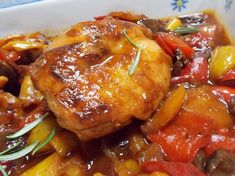 Rabbit with stewed peppers, hunter-like – Magna e T … – Meat Foods Ideas Meat Recipes, Street Food, Chicken Wings, Stew, Risotto, Slow Cooker, Rabbit, Food Porn, Good Food