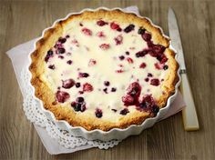 Gluteenittoman marjapiirakan valmistat vaivattomasti tällä ohjeella. Gluten Free Baking, Gluten Free Desserts, No Bake Desserts, Gluten Free Recipes, Low Carb Recipes, Sweet Desserts, Sweet Recipes, Delicious Desserts, Finnish Recipes