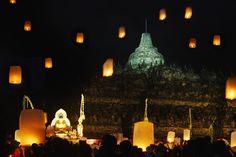 Borobudur tample when waisak 2012