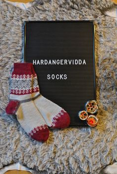 En blogg om stickning, ull och handarbete och livet som sker där emellan.