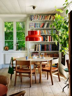 Living in Style Ibiza, edited by Anke Rice & Clarisse Grumbach-Palme Wilberts home Dining Room Table Gothenburg Home of ...