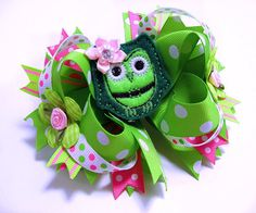St. Patrick's Day Hair Bow / Boutique OWL Hair Bow / Hairbow / Hair Clip / Green / Pink Bow. $13.00, via Etsy.
