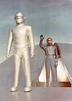 Gort and Klaatu - The Day the Earth Stood Still (1951)