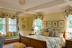 Bright and cheerful traditional master bedroom | TMS Architects