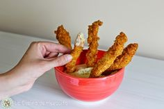 Tiras de pollo con rebozado de cereales super crujiente y salsa de queso ~ La Cocina de Mezquita