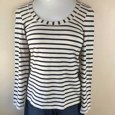 NEWBoden long sleeve scoop neck striped tee Boden long sleeve scoop neck striped tee in navy/off white. Size is US 6. Cover shot is on a mannequin similar in size to a 6. The last pic is on a mannequin closer in size to a 10. Not interested in trades. Boden Tops Tees - Long Sleeve