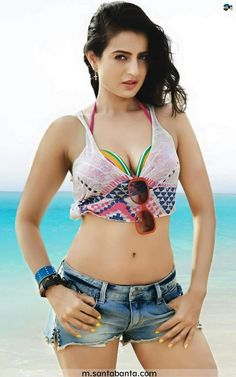 Bollywood popular actress Ameesha Patel hot and sexy picture and wallpaper gallery. Hottest hd image of actress Ameesha Patel. Bollywood Actress Hot Photos, Indian Actress Hot Pics, Bollywood Girls, Beautiful Bollywood Actress, Beautiful Indian Actress, Actress Photos, Bollywood Bikini, Indian Bollywood, Beautiful Ladies