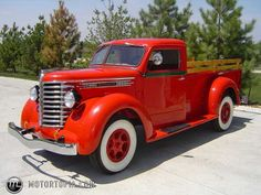 So if you remember my older post with pics of a local guy with a yard full of vintage trucks etc, Well I stopped there again today and finally met the. Old Pickup Trucks, Hot Rod Trucks, New Trucks, Cool Trucks, Cool Cars, Custom Trucks, Antique Trucks, Vintage Trucks, Antique Cars