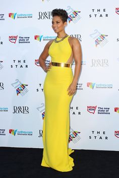 alicia-keys-27th-annual-aria-awards-sydney-australia-stella-mccartney-golden-belt-gown-2