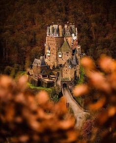 """@ourplanetdaily op Instagram: """"Eltz Castle, Germany 