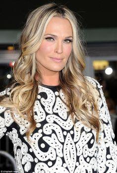 Mixed Blonde Highlights, fresh make up  Molly Sims
