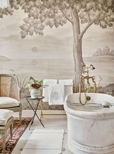 Home Tour: Traditional Charm in South Carolina mural wallpaper Traditional Decor, Traditional House, Traditional Kitchens, South Carolina Homes, Enchanted Home, Bathroom Interior Design, Interior Office, Modern Interior, Beautiful Bathrooms