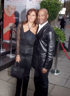 LESTER ERROL BROWN of Hot Chocolate transitioned today surrounded by his wife and daughters in the early hours of this morning. Lead singer of the band Hot Chocolate, Erroll Brown was known as a true 'gentle ' man. His legacy lives on.