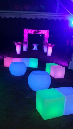 Muebles led para áreas lounge