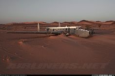 Crash of an Avro 696 Shackleton in Mali Avro Shackleton, View Photos, Cool Photos, C130 Hercules, South African Air Force, Western Sahara, Abandoned Cars, Aircraft Pictures, Lost Soul