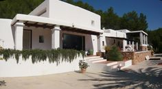 Finca Francois · Ibiza (KM2) - http://test.zanibiza.canibiza.com/property/finca-francois-%c2%b7-ibiza-km2/ - Esta bonita y original finca de 450m² ha sido recientemente reformada y está ubicada en Sa Carroca, en una zona con mucha privacidad. La propiedad esta bastante cerca de Ibiza centro y aún así en una zona tranquila, rodeada de bosque en una parcela de 28.799m². La propiedad tiene una bonita pisc...